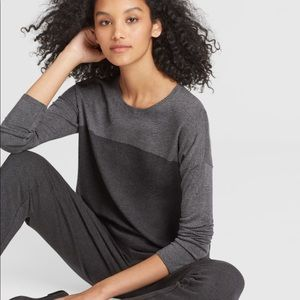 Eileen Fisher lightweight cozy box top sweater M
